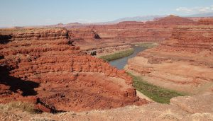 800px-overlook_to_the_colorado_river_moab