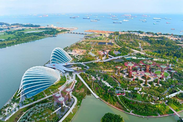 Gardens by the Bay 700x466 - Distance From Marina Bay Sands To Gardens By The Bay