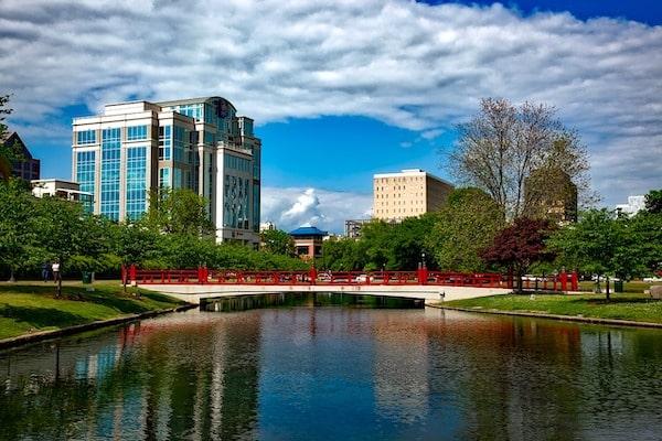 Cele mai bune 10 hoteluri din Huntsville, Statele Unite ale Americii (Prețuri de la lei)